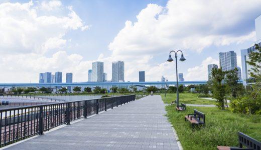 港区でペットシッターがお勧めする、のんびり犬の散歩代行コース!