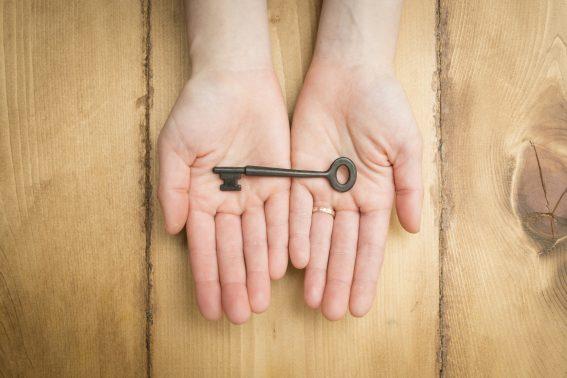 鍵の受け渡し
